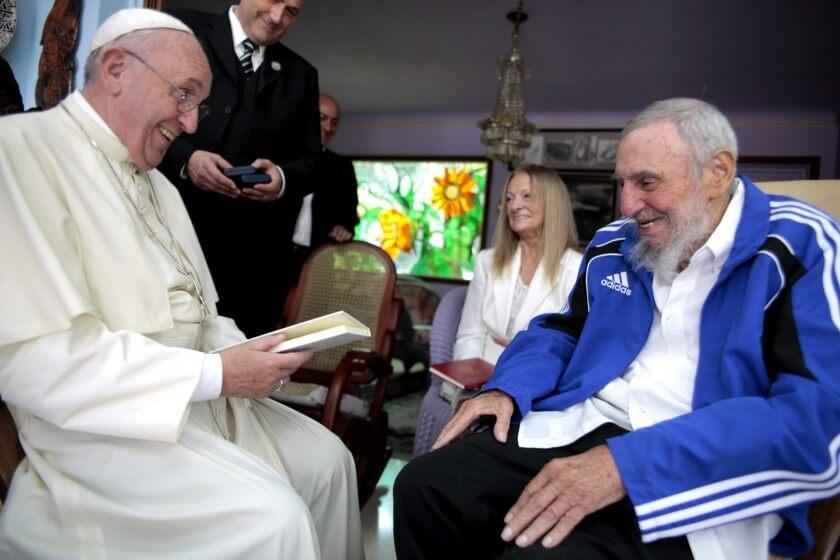 El regalo 'La boca se nos llenó de risas' del Papa a Castro
