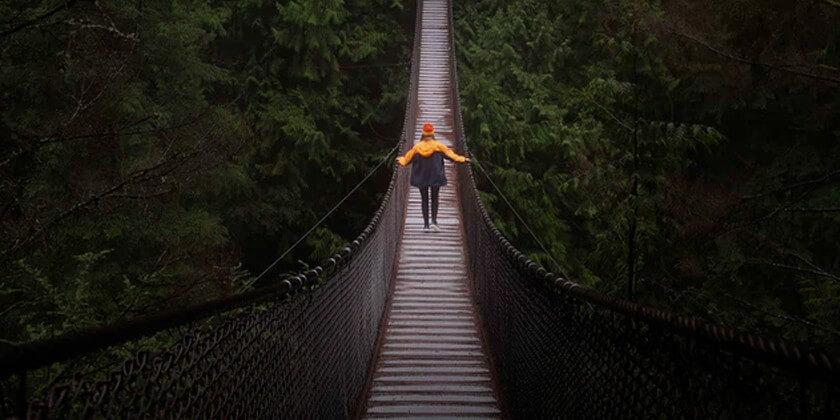 ¿Una historia de muros o de puentes?