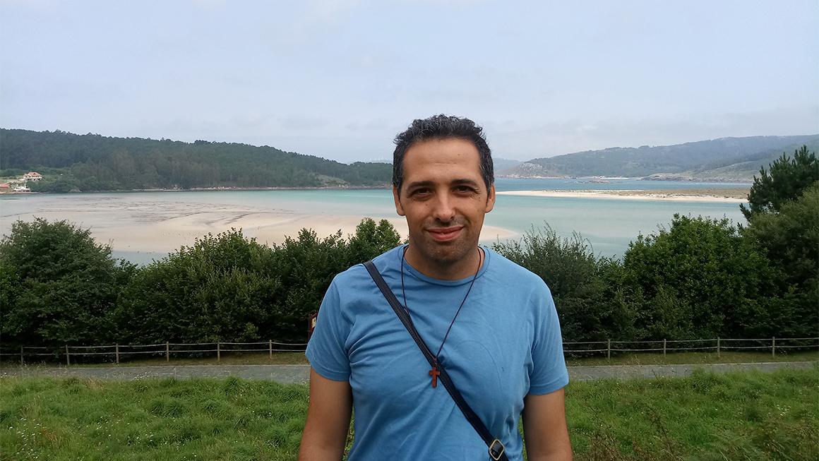 Manel Fernández: «Clamando al cielo teje historias para transmitir cómo Dios actúa en la vida de las personas»