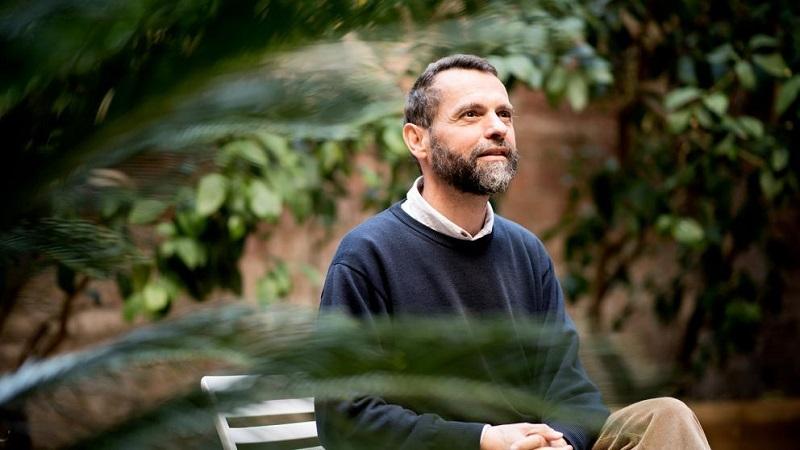 'Confinados por una bombarda colectiva', por Javier Melloni