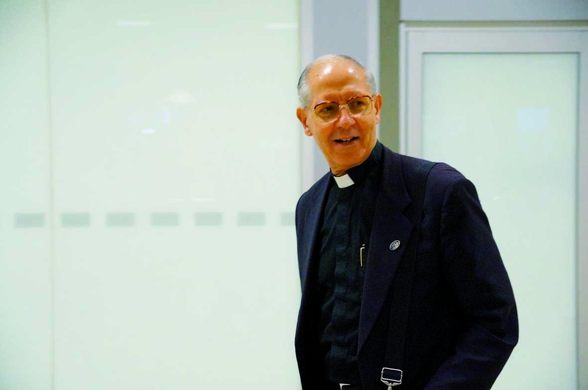 Fallece Adolfo Nicolás, el padre general que alentó la universalidad de la Compañía